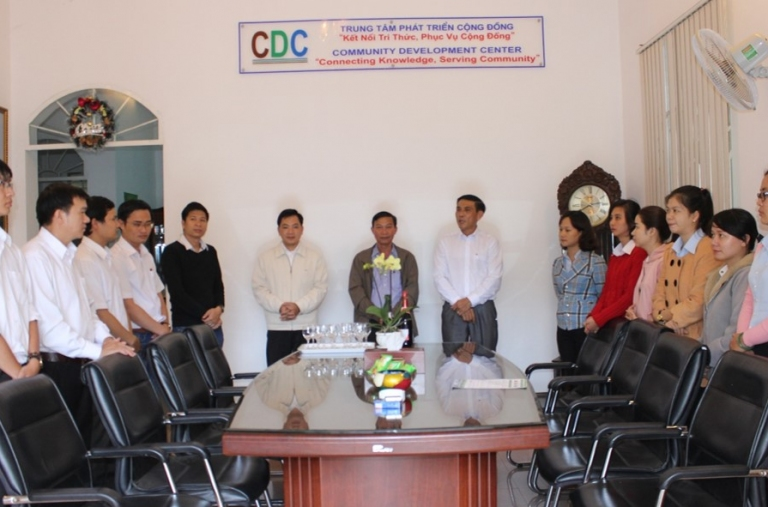 Lãnh đạo UBND Tỉnh Đắk Nông đến thăm và chúc mừng đầu năm mới Trung Tâm Phát Triển Cộng Đồng