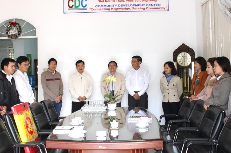 Lãnh đạo UBND Tỉnh Đắk Lắk đến thăm và chúc mừng đầu năm mới Trung Tâm Phát Triển Cộng Đồng